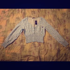 Abercrombie Cropped Blouse (brand new)